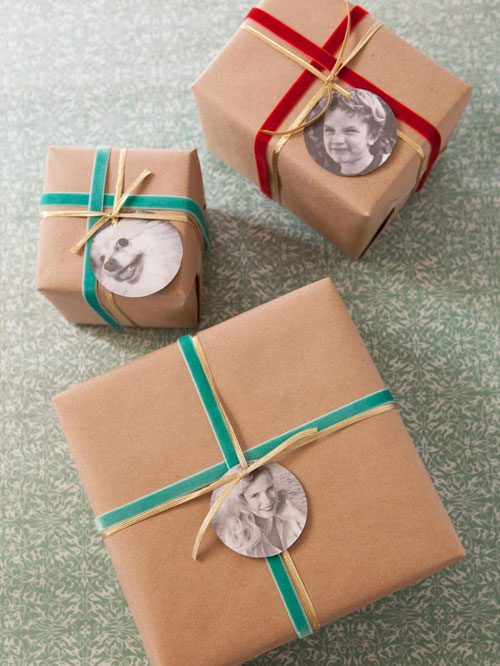 24 Clever Christmas Wrapping Hacks - Photograph Gift Tags
