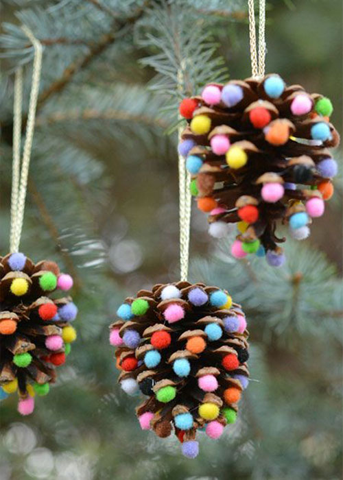 38 Handmade Christmas Ornaments - Pom Poms and Pinecones Christmas Ornaments