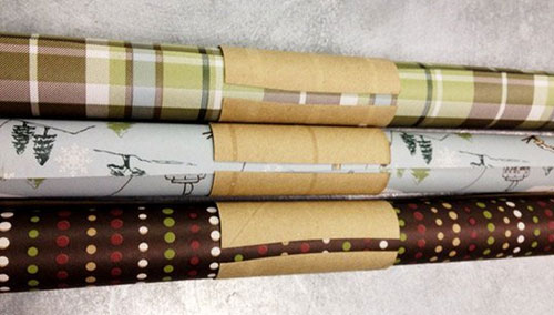 24 Clever Christmas Wrapping Hacks - Toilet Paper Wrapping Paper Holder