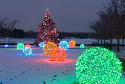 18 Clever Christmas Light Crafts - Christmas Lights Balls