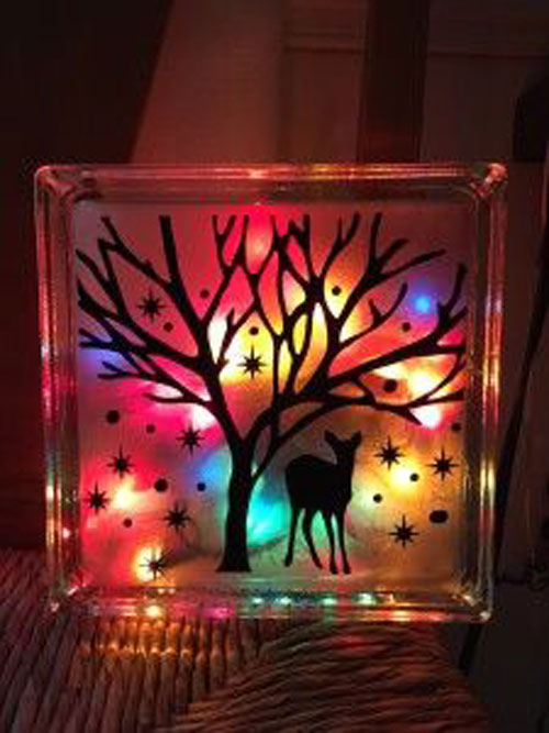 18 Clever Christmas Light Crafts - Lighted Glass Craft Blocks : craft lighting - www.canuckmediamonitor.org