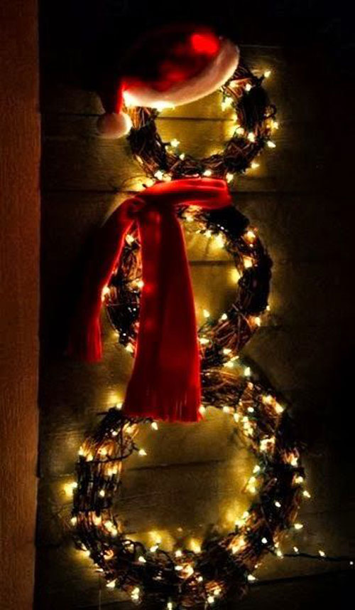 18 Clever Christmas Light Crafts - Snowman Wreath