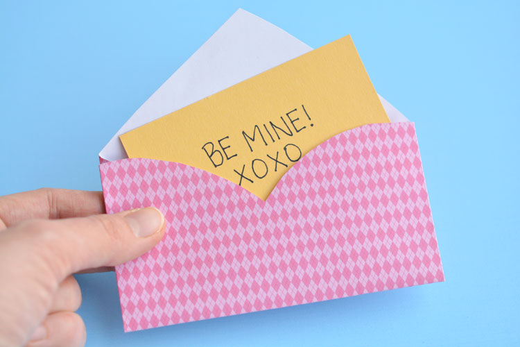 These heart envelopes are perfect for Valentine's Day, but simple (and cute) enough that you can use them year round! SO EASY - only four folds!