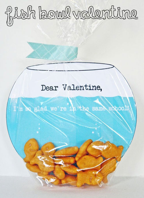 40+ Cute Valentine Ideas for Kids - Fish Bowl Valentine's Card