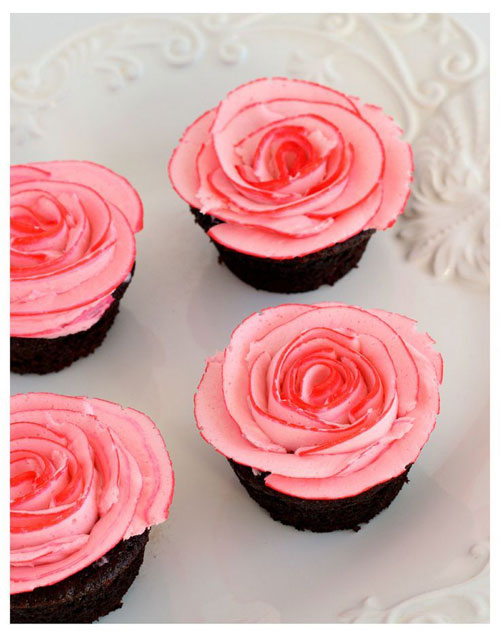 35+ Valentine's Day Cupcake Ideas - Fudgy Chocolate Cupcakes with Two Tone Roses