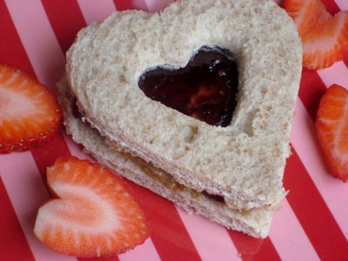 30+ Healthy Valentine's Day Food Ideas - Heart Cut-Out Sandwich