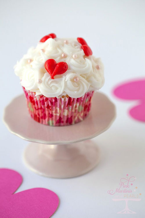 35+ Valentine's Day Cupcake Ideas - Make Ahead Frozen Buttercream Cake
