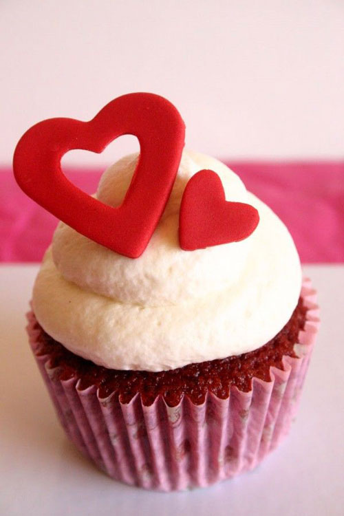 35+ Valentine's Day Cupcake Ideas - Red Puzzle Hearts Cupcakes