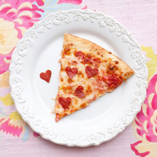 30+ Healthy Valentine's Day Food Ideas - Valentine Pizza