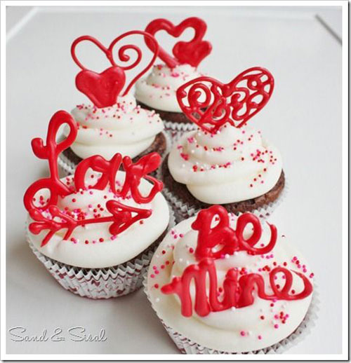 35+ Valentineu0027s Day Cupcake Ideas   Valentineu0027s Day Cake Toppers