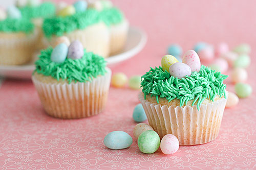 35 Adorable Easter Cupcake Ideas - Easter Egg Cupcakes