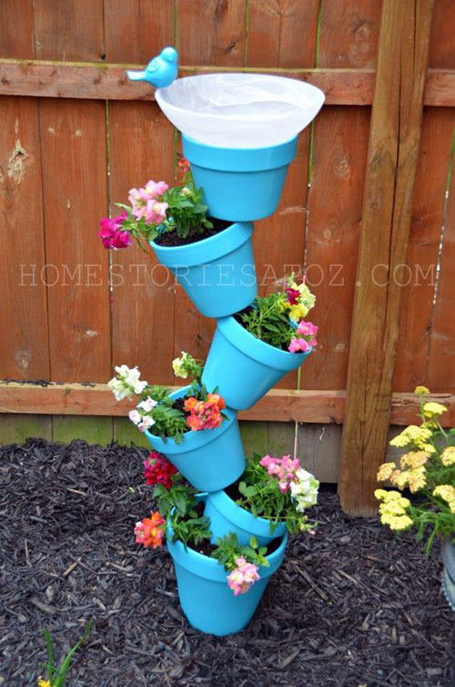 20 Best DIY Garden Crafts - DIY Garden Planter & Bird's Bath