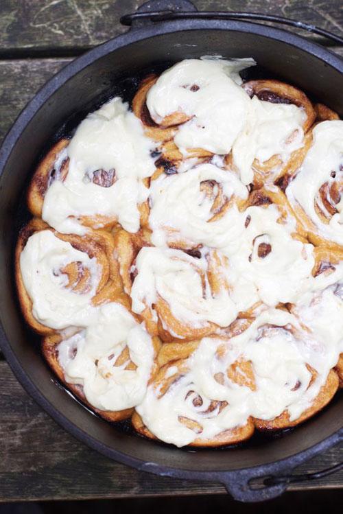30+ Best Campfire Desserts - Campfire Cinnamon Rolls
