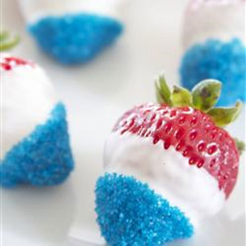 50+ Best 4th of July Desserts - Chocolate Dipped Strawberries