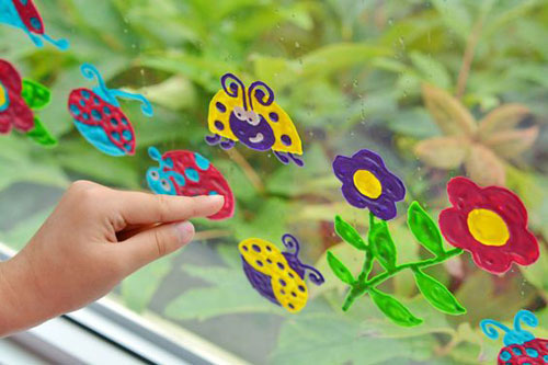 37 Awesome DIY Summer Projects - DIY Ladybug Window Clings
