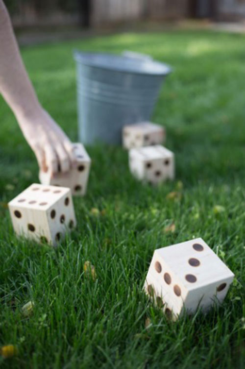 37 Awesome DIY Summer Projects - DIY Yard Yahtzee
