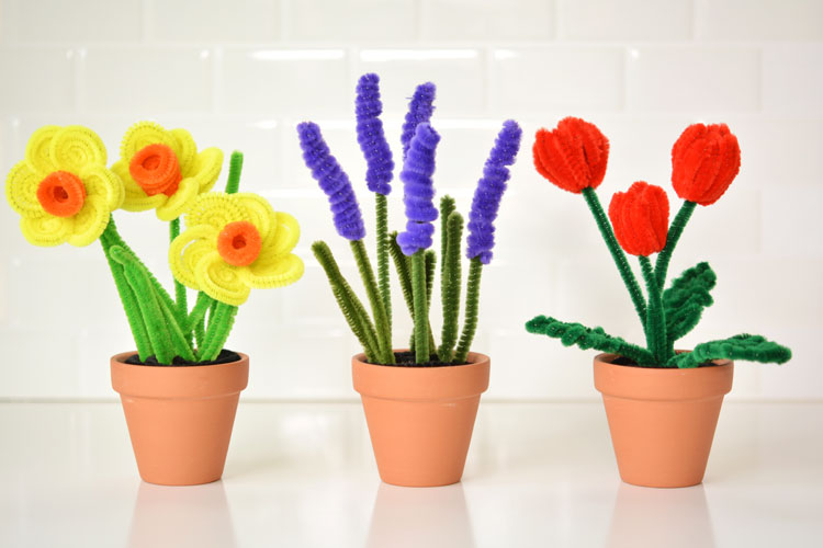 Easy Pipe Cleaner Daffodils And Tulips
