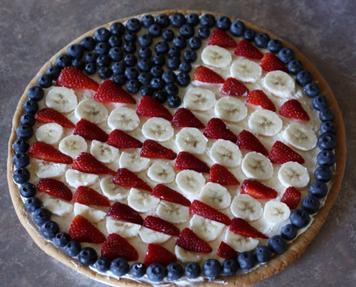 50+ Best 4th of July Desserts - Flag Fruit Pizza
