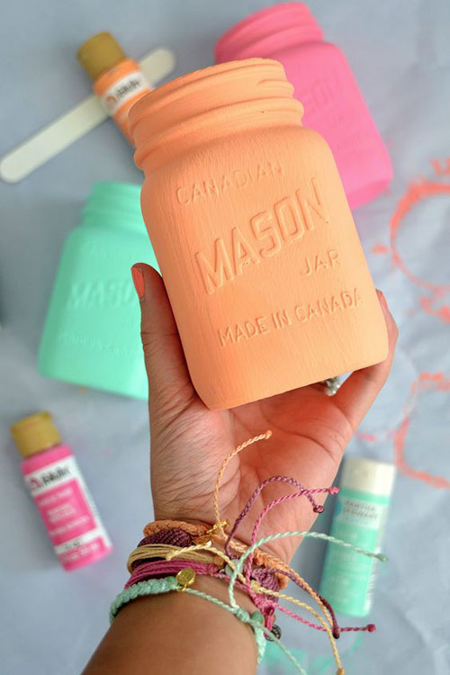 37 Awesome DIY Summer Projects - Painted Mason Jars