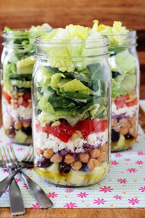 33 Healthy Mason Jar Salads - Greek Mason Jar Salad