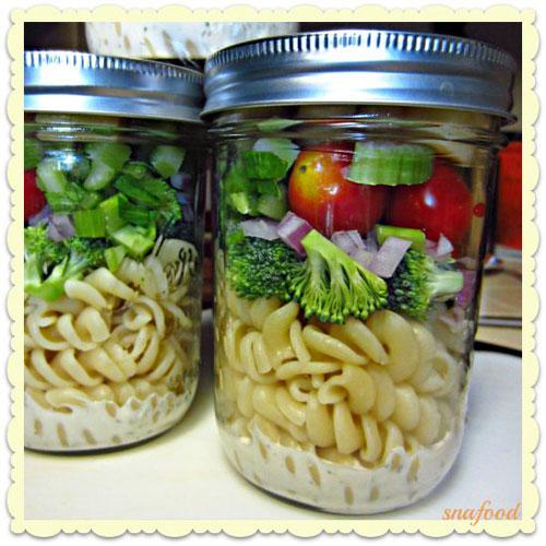 33 Healthy Mason Jar Salads - Ranch Rotini Mason Jar Salad