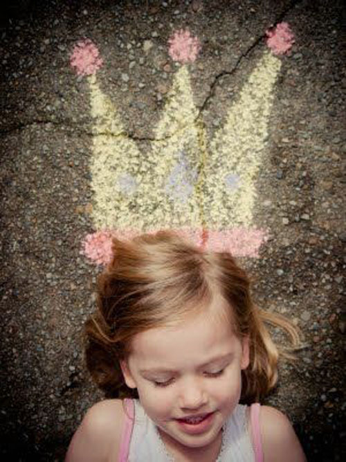 22 Totally Awesome Sidewalk Chalk Ideas - Crowned Princess Chalk Art