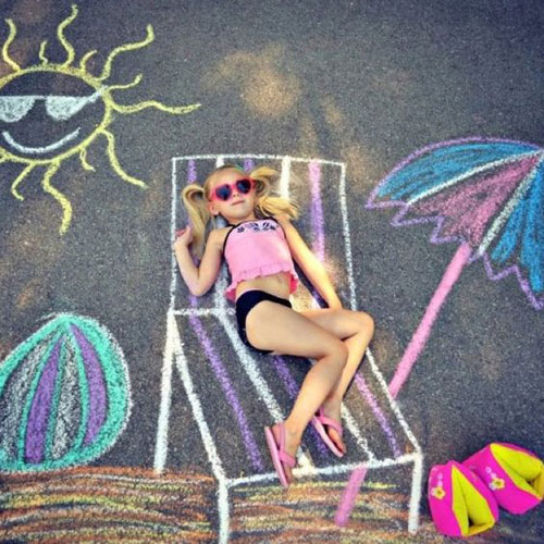 22 Totally Awesome Sidewalk Chalk Ideas - Sun Bathing at the Beach