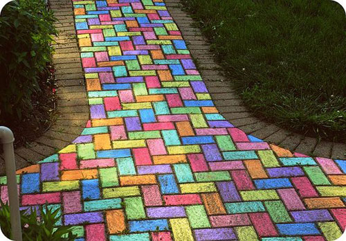 22 Totally Awesome Sidewalk Chalk Ideas - Walkway Chalk Art