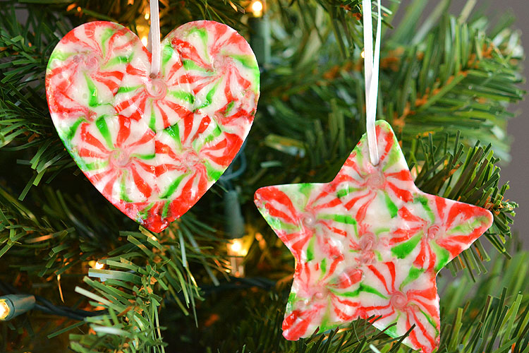 these melted peppermint candy ornaments are adorable and theyre super easy to make - Cute Homemade Christmas Decorations