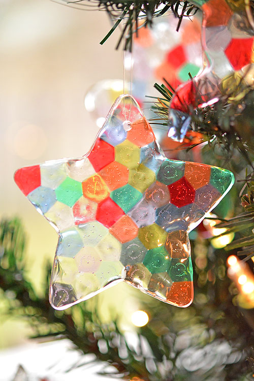 these melted bead ornaments are so beautiful and theyre so easy to make - Beautiful Christmas Ornaments