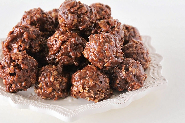 No-Bake Chocolate Peanut Butter Cereal Cookies