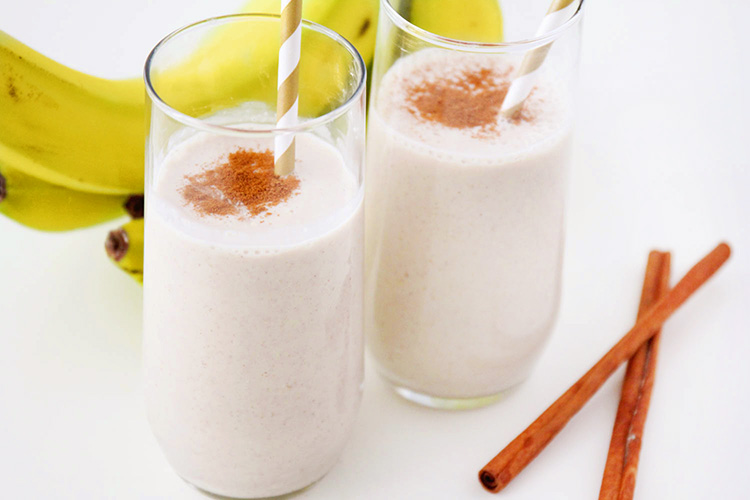 This cinnamon roll breakfast smoothie is the perfect healthy way to start the day! It's loaded with protein and fiber, and so delicious too!