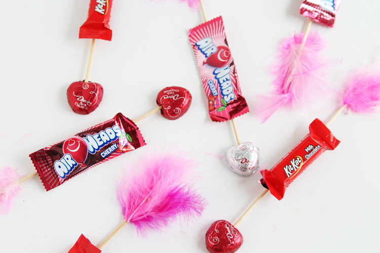 These Valentineu0027s Day Candy Arrows Are SO CUTE And Super Easy To Make!