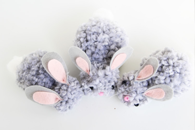 These pom pom bunnies are SO soft and snuggly. If you are looking for the perfect Easter craft, whip some of these up today!