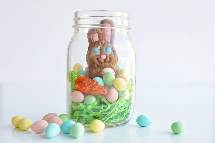 These mason jar Easter gifts are SO EASY and they're so cute! This is such a fun and simple Easter gift idea for your kids, grandkids, friends and coworkers and such an adorable way to give a chocolate bunny!