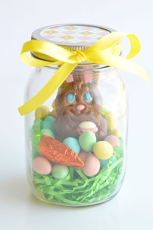 Mason jar easter gifts chocolate bunny mason jars these mason jar easter gifts are so easy and theyre so cute this negle Images