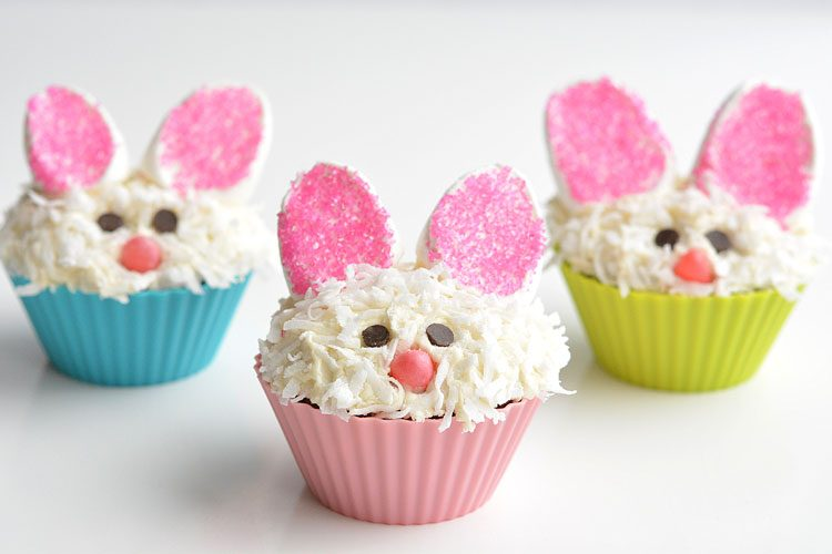How to Decorate Easter Bunny Cupcakes with Marshmallow Ears