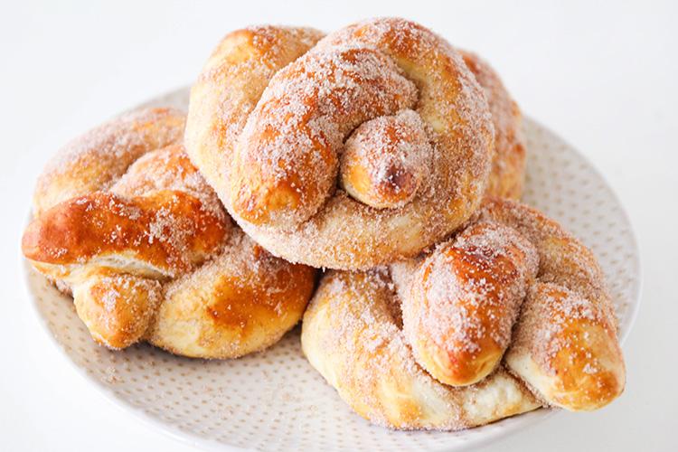 cinnamon sugar soft pretzels recipe serves 12 pretzels print ...