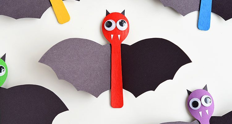 Wooden Spoon Bat Craft for Halloween