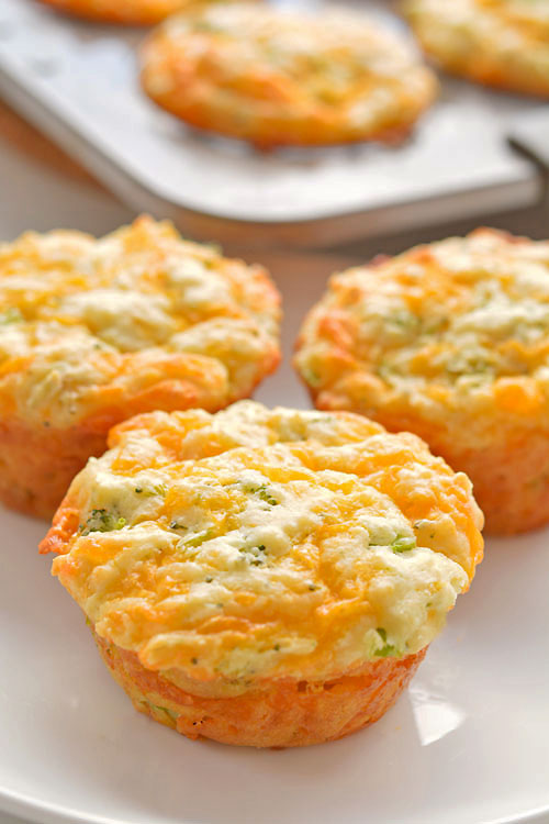 These broccoli cheddar muffins are SO GOOD and so simple to make! Loaded with healthy ingredients they're really filling, and so delicious! Eat these healthy muffins for lunch with your favouite soup, or on their own as an afternoon snack or even a filling breakfast on the go. With hidden broccoli and lots of cheese they're great for picky eaters and toddlers!