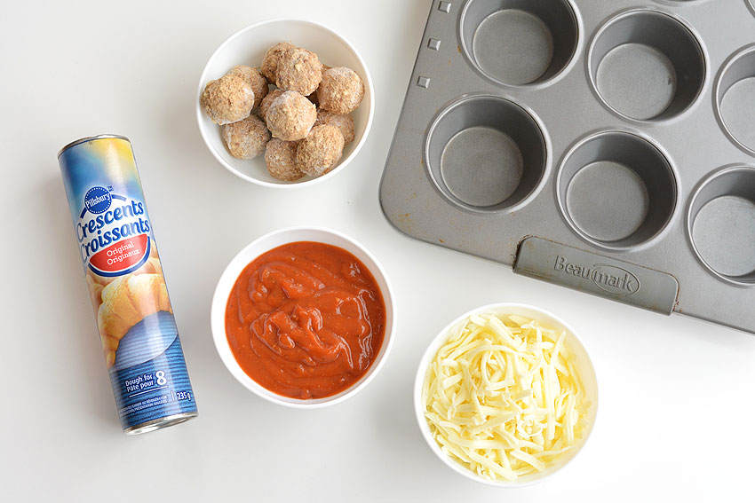 These meatball sub bites are sooooo good and they're crazy simple to make! They'd make an awesome appetizer (superbowl maybe?), or even just a different and fun lunch to switch things up a bit. I'm all about non-sandwich lunches and these taste amazing! This is a simple snack idea that you can make in less than 30 minutes with only 4 ingredients!
