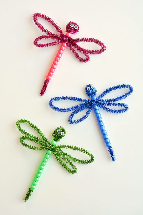 40+ Awesome Pipe Cleaner Crafts - Pipe Cleaner Dragonflies
