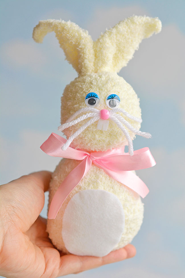 These no-sew sock bunnies are SO EASY to make and they're sooooo cute! Each one takes less than 20 minutes to make using simple dollar store materials. This is such a fun Easter craft idea for the kids and such a great way to make an easy stuffed animal! No fancy equipment or special skills required!