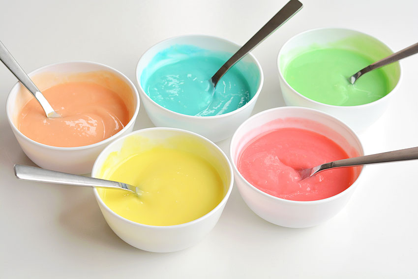 Easy Rainbow Pudding Pops