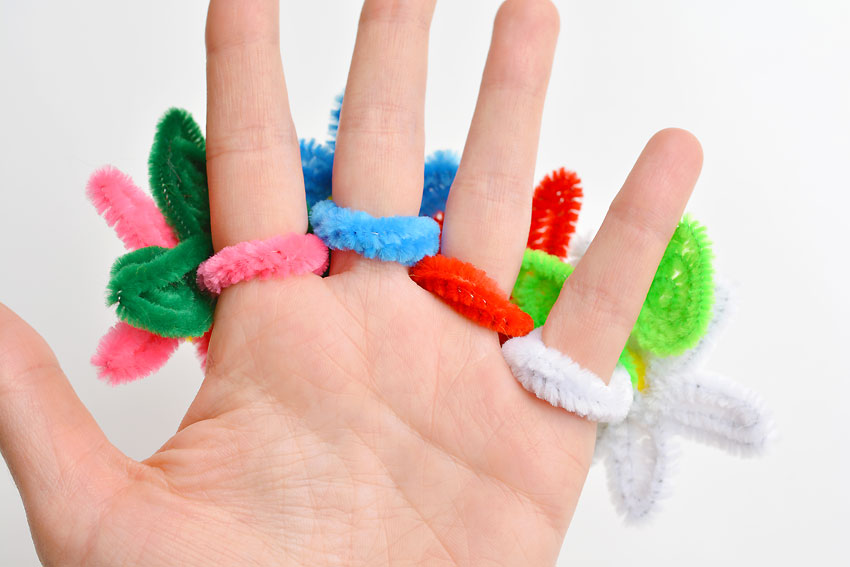 How to Make Pipe Cleaner Daisy Rings