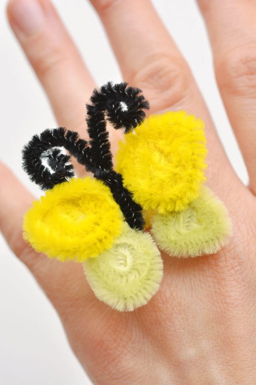 40+ Awesome Pipe Cleaner Crafts - Pipe Cleaner Butterfly Rings
