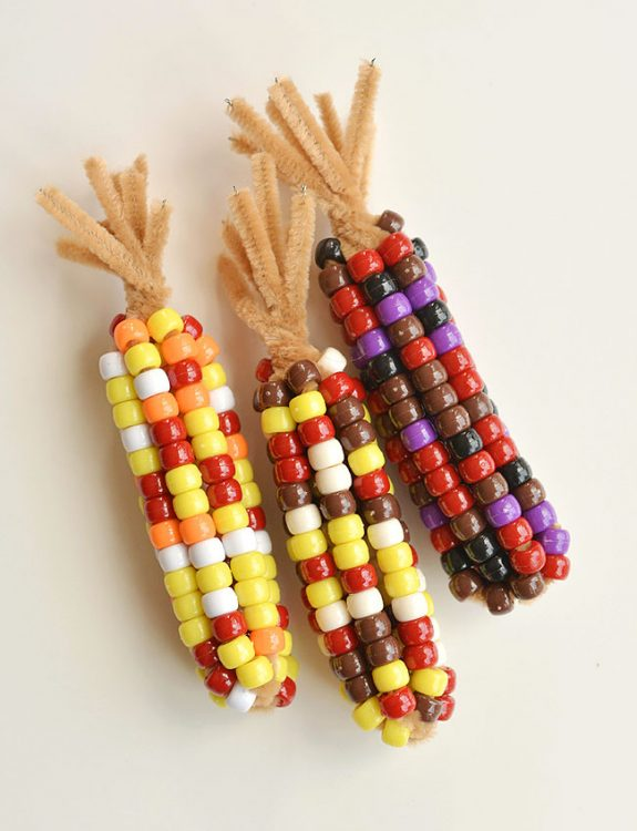 40+ Awesome Pipe Cleaner Crafts - Beaded Pipe Cleaner Indian Corn