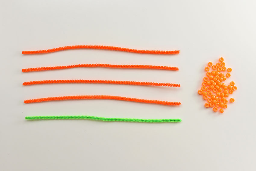 How to Make Beaded Pipe Cleaner Pumpkins
