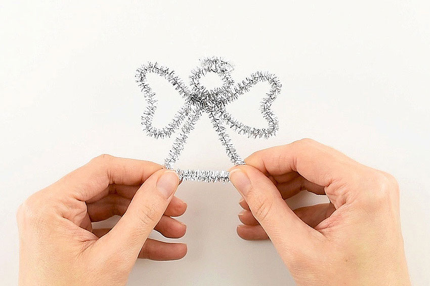 Easy Angel Pipe Cleaner Ornaments