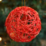 How to Make Glitter Ball Yarn Ornaments Using Balloons
